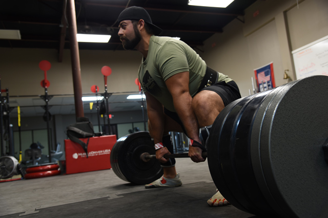 skimble-workout-trainer-spotlight-david-rivera-syndicate-powerlifting_640x427